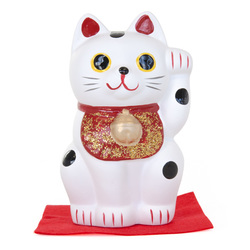 10831 lucky cat figurine white